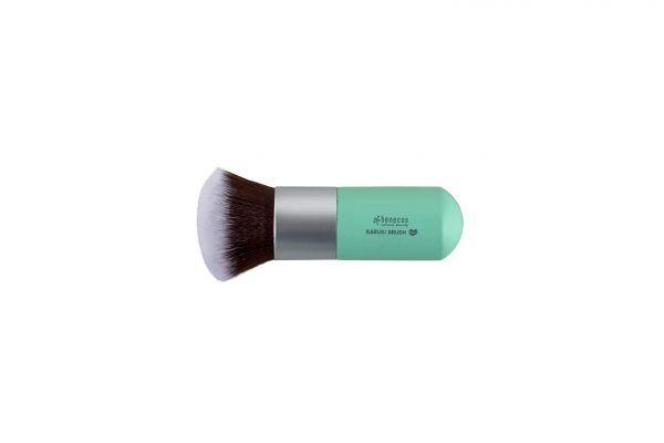 Brocha Kabuki maquillaje en polvo vegana de Benecos